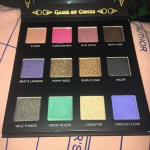 Game of Thrones themed eyeshadow palette